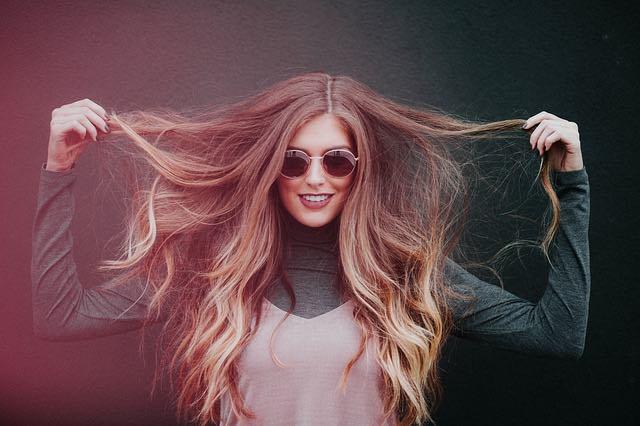 Conseils pour garder les cheveux longs et brillants