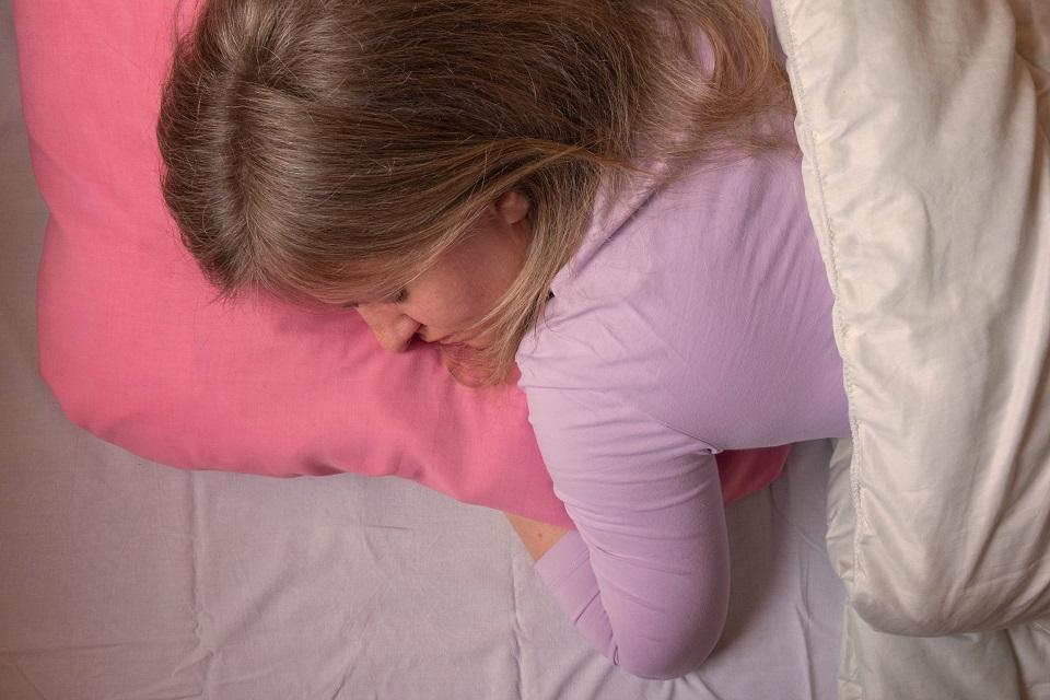 Quel type de matelas quand on dort sur le ventre ?