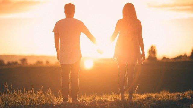 Faire des rencontres pour éviter la solitude